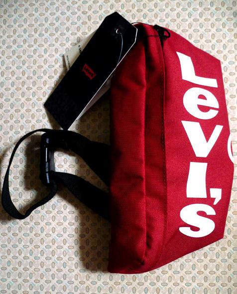 levis-red-bag01.jpg